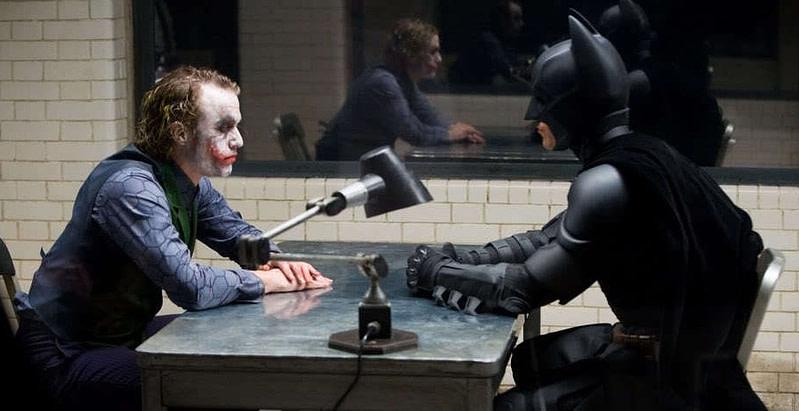 Batman: O Cavaleiro das Trevas - Cena do interrogatório